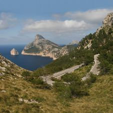 Free Cabo Formentor With A Serpentine Road (Mallorca, S Royalty Free Stock Images - 6518049