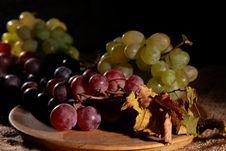 Free Grapes Royalty Free Stock Photos - 6518128