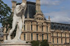Free Crying Statue At Louvre Museum Stock Photography - 6518312