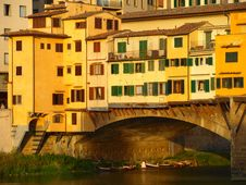 Free Glimpse Of Ponte Vecchio Stock Image - 6520091