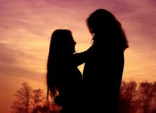 Free Romantic Couple At Sunset Royalty Free Stock Photos - 6520568