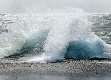 Free Ice Floes On The Beach Royalty Free Stock Image - 6522176