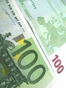 Free 100 Euro Bill Stock Photo - 6523980