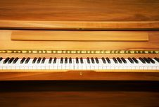 Free Luxury Piano Royalty Free Stock Images - 6525229
