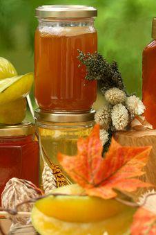 Free Jar Of Fresh Honey And Starfruit Royalty Free Stock Photography - 6531497
