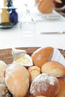 Free Breads At Restaurant Royalty Free Stock Photos - 6536458
