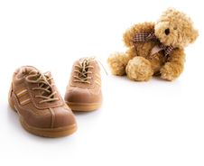 Free Children S Shoes And Teddy Bear Royalty Free Stock Photos - 6542878