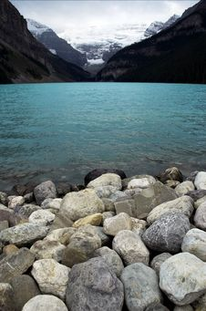 Free Lake Louise Royalty Free Stock Photo - 6546095