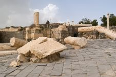 Free Ruins Of Roman Temple In Beit Shean Royalty Free Stock Photo - 6546475