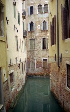 Free Quiet Venice Canal Stock Photography - 6551462