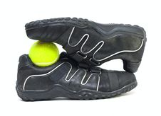 Free Black Sport Shoes And Ball Royalty Free Stock Image - 6551766