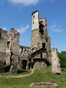 Free Ruins Of The Castle Royalty Free Stock Photos - 6553488