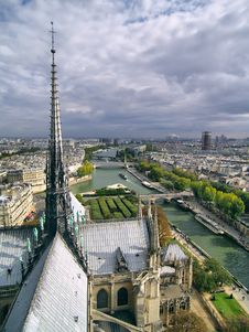 Free View On Steeple Of Notre Dame Cathedral In Paris. Royalty Free Stock Photography - 6555667