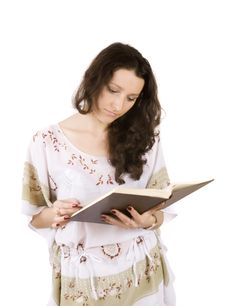 Free Young Women Reading Book Royalty Free Stock Images - 6559799