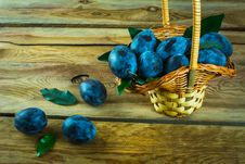 Free A Basket Of Plums Prunes Royalty Free Stock Photos - 65515638