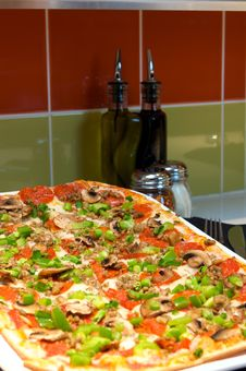 Free Greek Style Pizza Royalty Free Stock Photography - 6563437