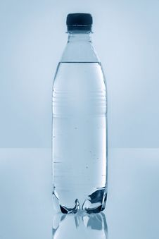 Free Plastic Water Bottle Stock Image - 6566141