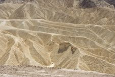 Free Yellow Mountains Of Death Valley Royalty Free Stock Images - 6574949