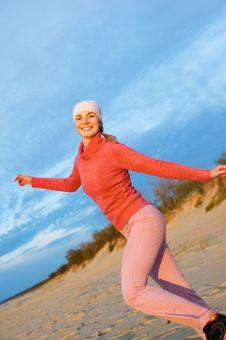 Free Woman On A Beach Royalty Free Stock Photos - 6578278
