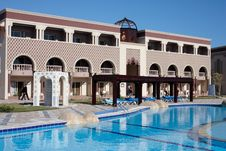 Free Swimming Poo In Oriental Hotel Royalty Free Stock Image - 6578546