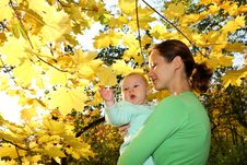 Free Mother And Baby Royalty Free Stock Image - 6578866