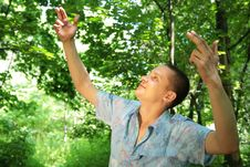 Free Guy With Rised Hands Like A Director Of Birds Stock Photos - 6581113