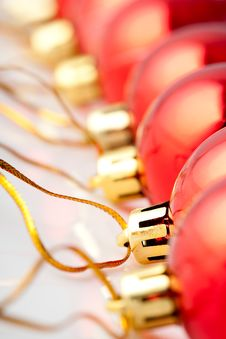 Free Row Of Red Christmas Balls Royalty Free Stock Images - 6581269