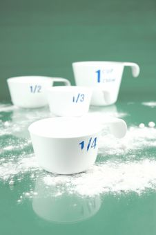 Free Measuring Cups Royalty Free Stock Photo - 6582325