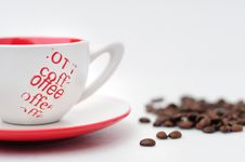 Free Cup Of Coffee With Coffee Grain Royalty Free Stock Photo - 6584205