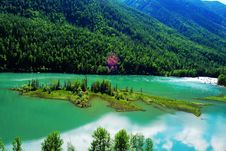 Free Lake And Island Stock Photography - 6588532