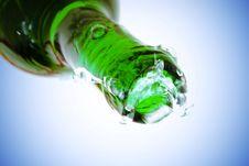 Free Water Splash Over Bottle Royalty Free Stock Image - 6591466