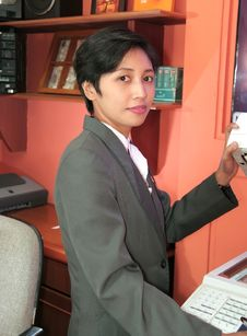 Free Secretary At Office Royalty Free Stock Image - 6596776