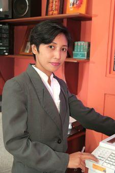 Free Secretary At Office Royalty Free Stock Photography - 6596807