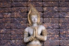 Free Budda On Brick Wall Royalty Free Stock Images - 6597919