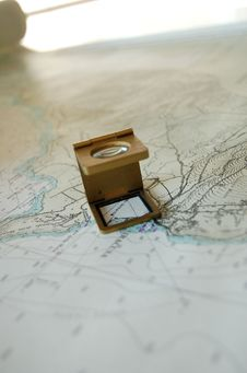 Free A Magnifer Lens On Map Stock Image - 661501