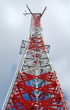 Free Telecommunication Tower 2 Royalty Free Stock Images - 663729