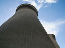 Free Cooling Towers Royalty Free Stock Photo - 665985