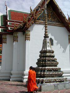 Free Thai Temple With Monks Stock Photos - 666523