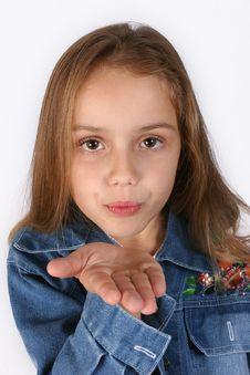 Free Posing Young Girl Royalty Free Stock Photos - 668218