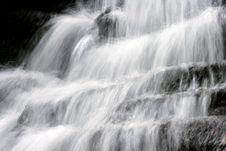 Free Waterfall Royalty Free Stock Photos - 669988