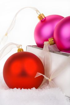 Free Christmas Baubles Boxed And Unboxed Royalty Free Stock Image - 6600326