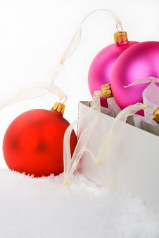 Free Christmas Baubles Boxed And Unboxed Royalty Free Stock Photography - 6600347