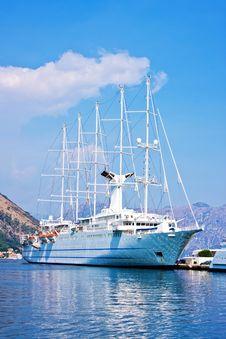Free Cruise Ship Royalty Free Stock Photo - 6600385