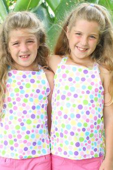 Free Beautiful Sisters Vertical Stock Photos - 6601103