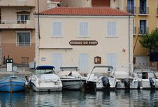 Free Bureau Du Port In Cassis Royalty Free Stock Photography - 6602137