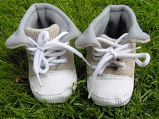 Free Baby Shoes Royalty Free Stock Images - 6608029