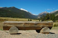 A Bench In Moraine - Rocky Mountain Mational Park Royalty Free Stock Images