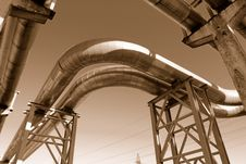 Free Industrial Pipelines Royalty Free Stock Photography - 6610727