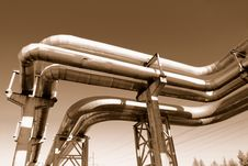 Free Industrial Pipelines Royalty Free Stock Photos - 6610748