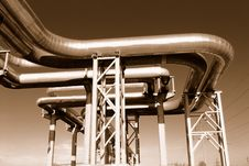 Free Industrial Pipelines Royalty Free Stock Photography - 6610917